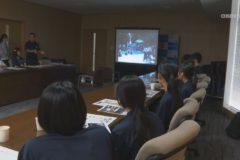 三島・川之江高校書道部合同チームが市役所を訪問
