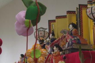 金生地区女性部による吊り飾り・ひな飾り展示
