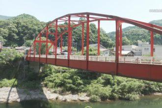 新宮夏祭り盆踊り実行委員会 銅山川橋を清掃